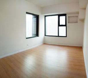 living area / bedroom area
