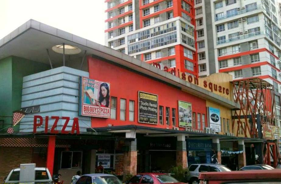 FURNISHED CONDO IN BONI MANDALUYONG NEAR MRT AND ACCENTURE (2)